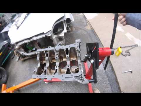 DIY Electrolysis / Engine Hot Tanking HOW TO CLEAN RUST OFF ENGINE BLOCKS