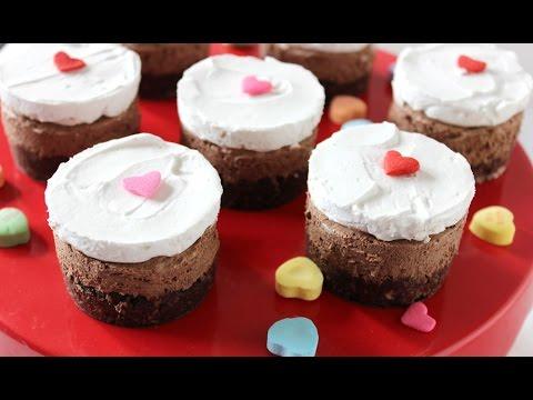 Quick and easy chocolate mousse cake. Raw. Paleo. Vegan.