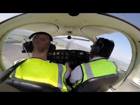 Liverpool (EGGP) to Blackpool (EGNH) - Cockpit Video PA38