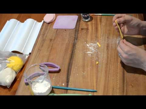 Gum Paste Lily Tutorial Part 1 (Pistil)