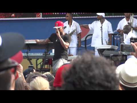 Ne-yo - Because of you live @ GMA Concert series 2012, Central Park, NYC