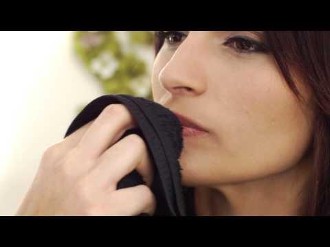 How to Heal Salt-Burned Lips : Important Makeup Advice
