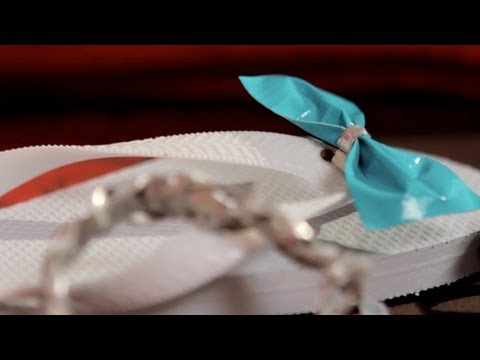 How to Make Duct Tape Bows - Let's Craft with Modernmom