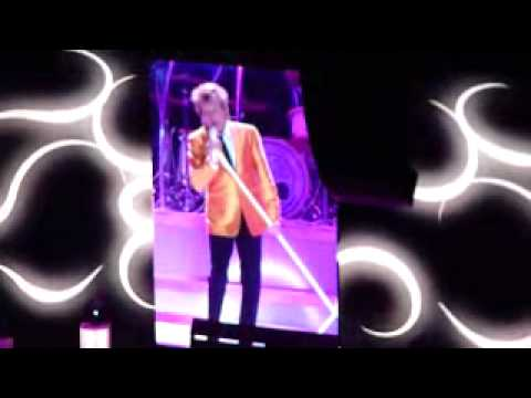Rod Stewart - Love Train - O2