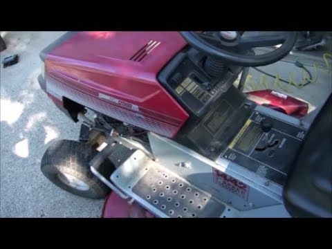 Signature 2000 MTD RIDING LAWNMOWER Tractor. HOW TO REPLACE the DRIVE BELT.