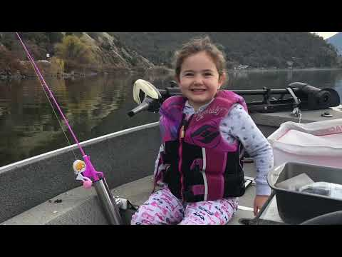 Hunting for Bluegill Clearlake CA December 2017
