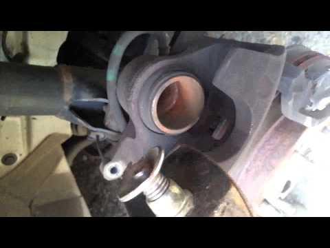 How to change front brake pads 2007 Honda civic lx