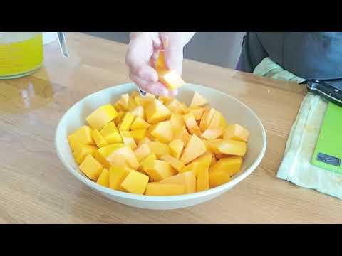 Miss Pashll cooks pumpkin soup