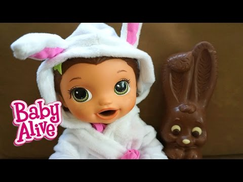 BABY ALIVE Jenna Finds A Magical Bunny!