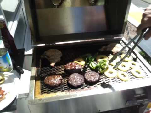 Holland Grill Demo
