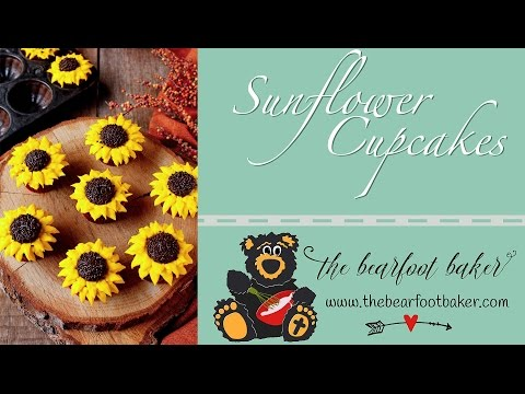 How to Make Simple Sunflower Cupcakes | The Bearfoot Baker