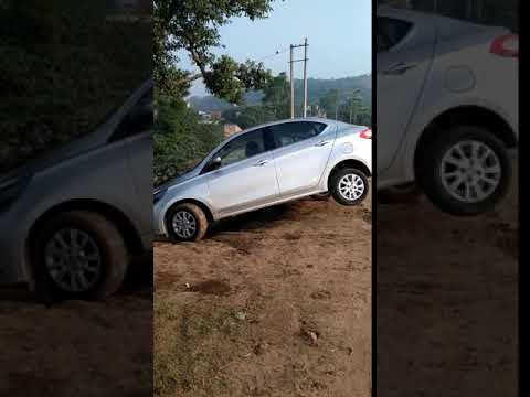 Tata Tigor Diesel Off road Decline (© The Automotive India)