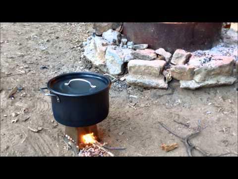 EMBERLIT STOVE -  COOKING CHILI