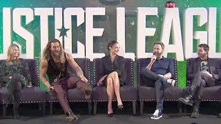 Justice League PRESS CONFERENCE - Gal Gadot, Ben Affleck, Henry Cavill, Jason Momoa