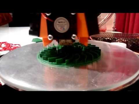 3D Printing a radial rotor (time lapse)