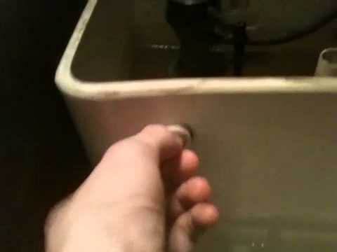How To Flush A Toilet With No Handle