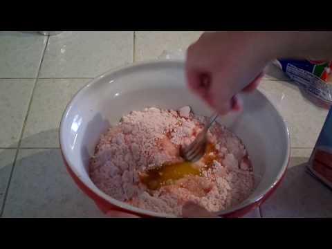 How to Make Cupcakes With Pillsbury Cake Mix!
