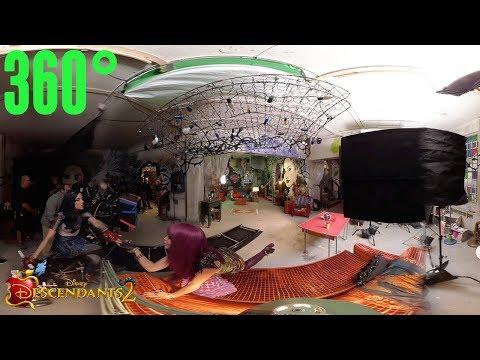 Space Between: Behind the Scenes | 360° | Descendants 2