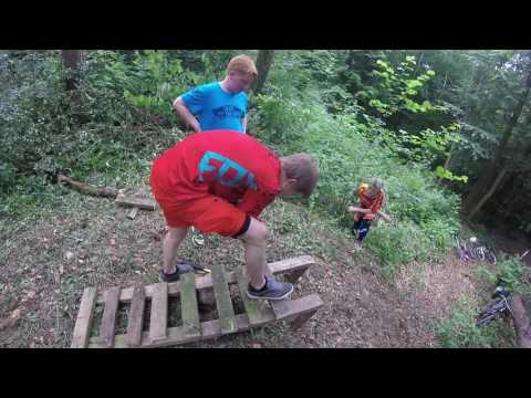 Building A DH trail 2 (wooden drop off)