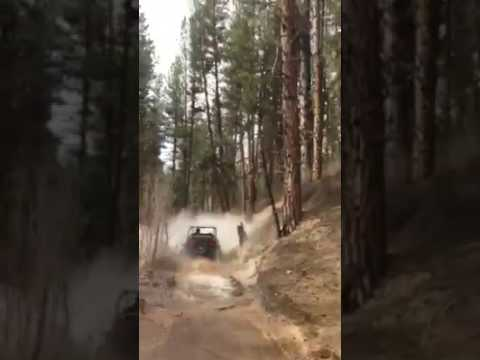 RZR 900S RIDING THROUGH CREEKS CAN AM MAVERICK