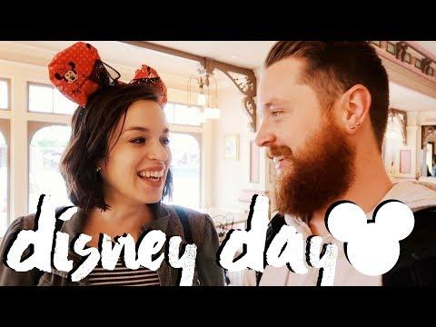 Disneyland Vlog (2018) Going to Disneyland while Pregnant!