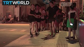 China Joggers: Runners concerned with pollution levels