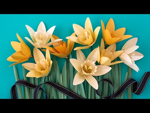 Make a Paper Daffodil