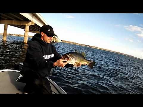 Bass Fishing Tackle Tips - Crankbait Bass Fishing Tips and Techniques
