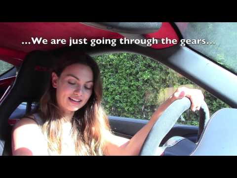 TEACHING A WOMAN HOW TO DRIVE A MANUAL ON A GT3 RS 4.0