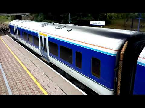 (engine mis-fire!) Chiltern new livery 165039 departs Stoke Mandeville