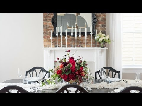 Mayesh Design Star: Unexpected Holiday Floral Arrangement
