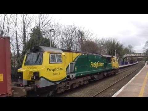 Freightliner 70013 with Leeds to Southampton mct intermodal