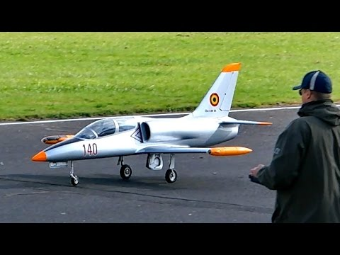 L-39 ALBATROS BIGGEST ELECTRO EDF SCALE 1:4 RC JET MODEL DEMO FLIGHT / Jetpower Messe 2015