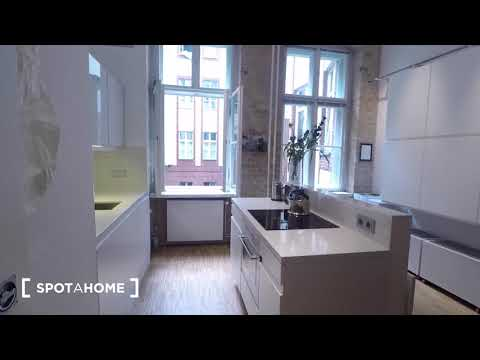Beautiful and modern 2-bedroom apartment for rent in Berlin - Spotahome (ref 142055)