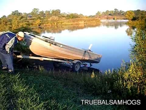 HOW TO LAUNCH A BOAT USING A TILT TRAILER
