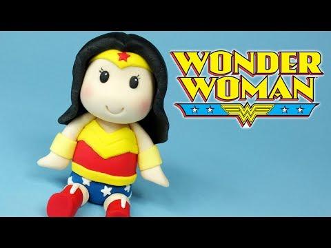 DIY Wonder Woman Chibi! How to make Wonder Woman figurine cake topper