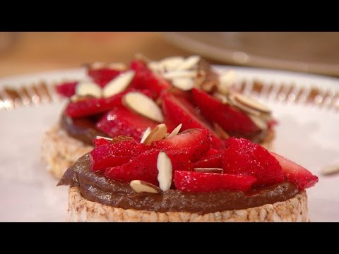 Rice Cakes in a Skillet?! You've Got to See Richard Blais' Latest Dessert