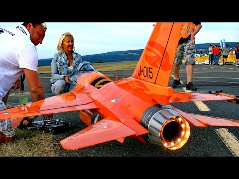 F-16 COBRA GIANT RC SCALE MODEL JET FLIGHT DEMO