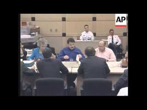 USA: FLORIDA BALLOT HANDCOUNTING CONTINUES