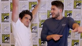 """Teen Wolf"" Cast Play Truth or Dance - Comic Con 2015"