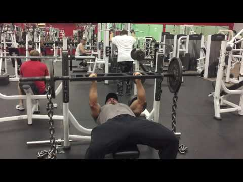 Close-Grip Bench Press With Chains