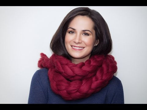 How to arm knit a chunky Merino wool chain scarf
