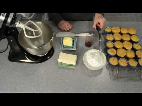 How to Make Cream Cheese Frosting / Icing by Cookies Cupcakes and Cardio