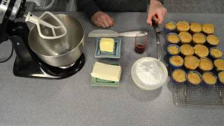 How To Make Cream Cheese Frosting Icing By Cookies Cupcakes And Cardio