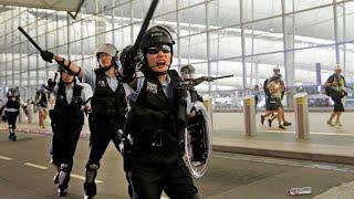 Hong Kong police violently clash with protestors