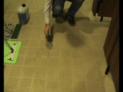 Cleaning Ceramic Tiles