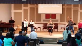 "Glorieta praise team sings ""Eagles Wings"""