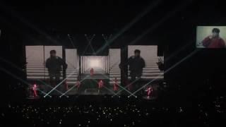 G-Dragon concert in Seattle (Lit) 7/11/17