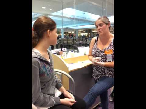 Getting My Second Lobe Piercing @ Claire's!!