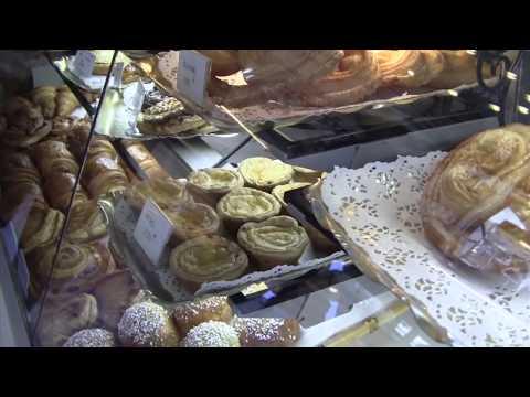 The Local Way Paris—Baguettes & Boulangeries